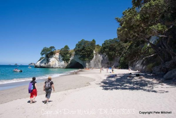 cathedral-cove-walkers